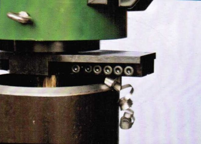 点击查看详细信息<br>标题:管子坡口机工作照 阅读次数:6160
