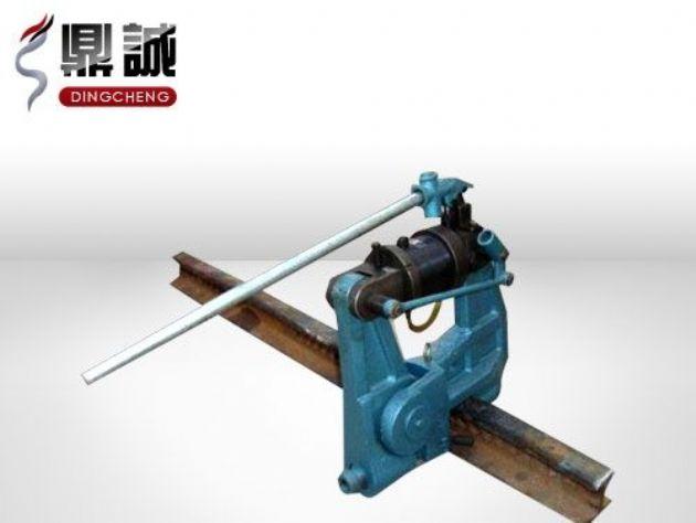 点击查看详细信息<br>标题:液压钢轨挤孔机 阅读次数:1328
